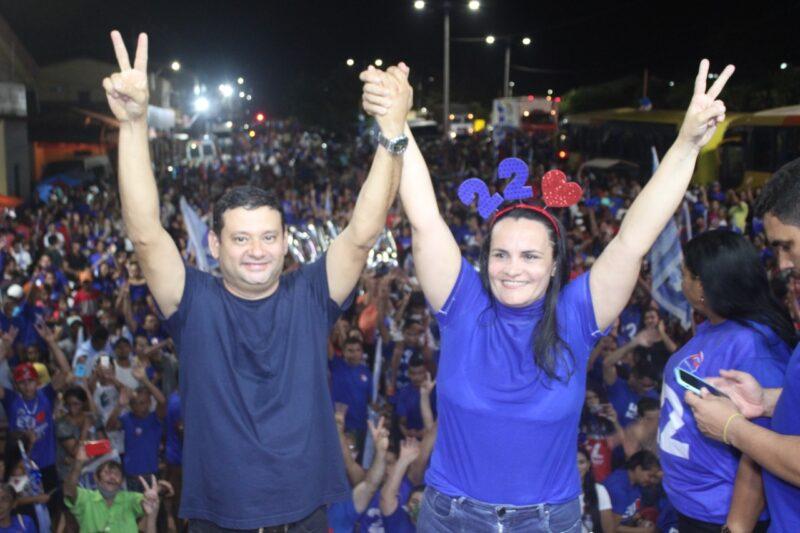 Candidata Cristiane Varão reúne uma multidão em grande carreata e comício em Bom Jardim
