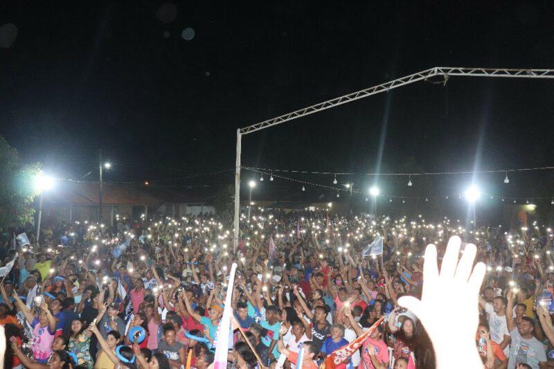 Newton Bello : Grupo 22 realiza Comício da Vitória com participação de uma verdadeira multidão.