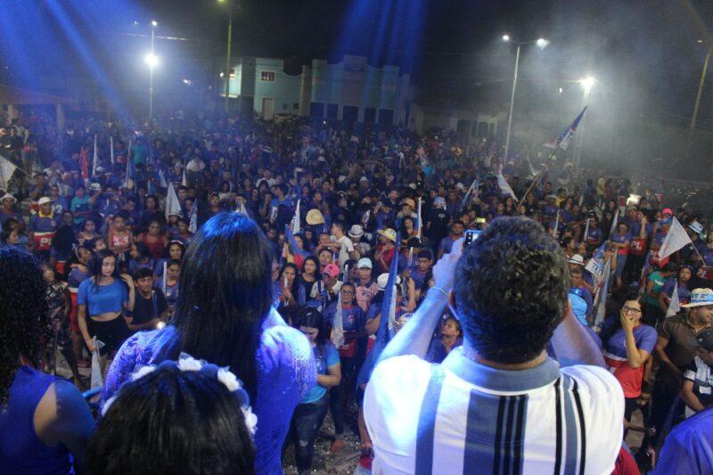 Amapá do Maranhão: Uma multidão participa do Comício da Vitória do 22