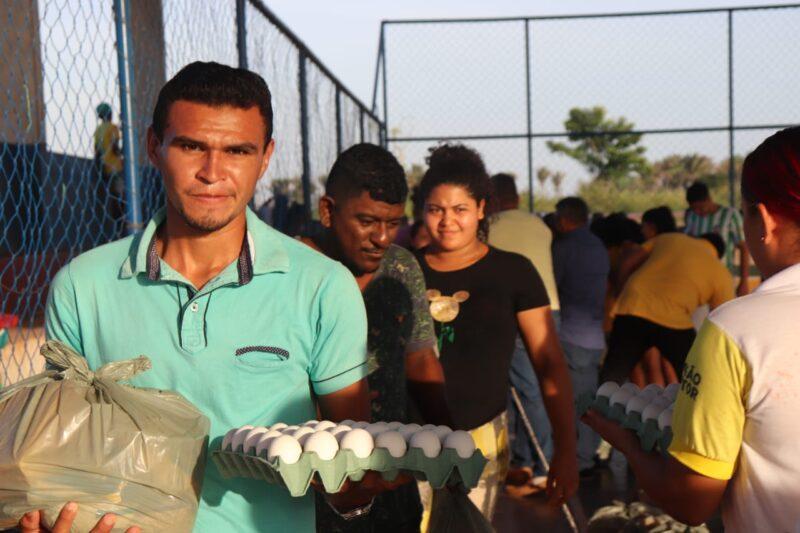 Newton Bello : Prefeitura realiza ação social de doação de alimentos para população carente do município.