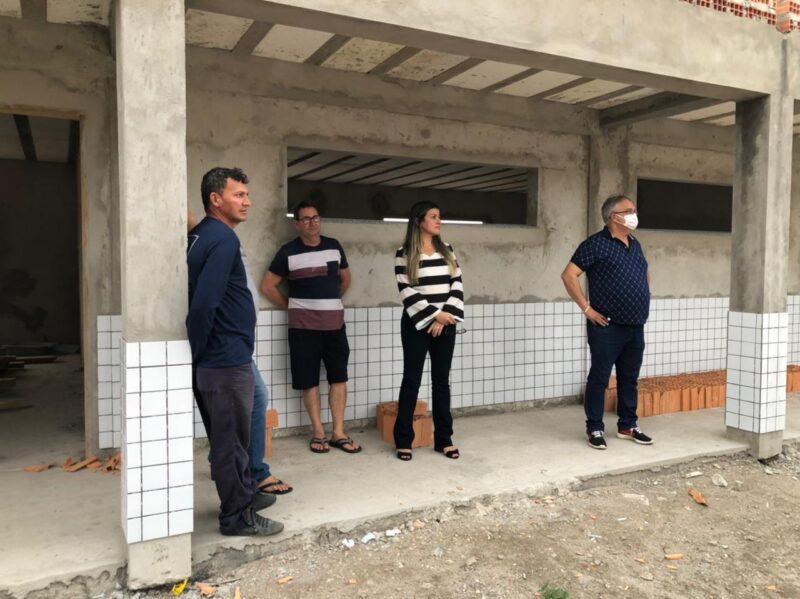 Boa Vista do Gurupi : Prefeita e Comitiva vistoriam obras da Construção da Escola de Ensino Médio