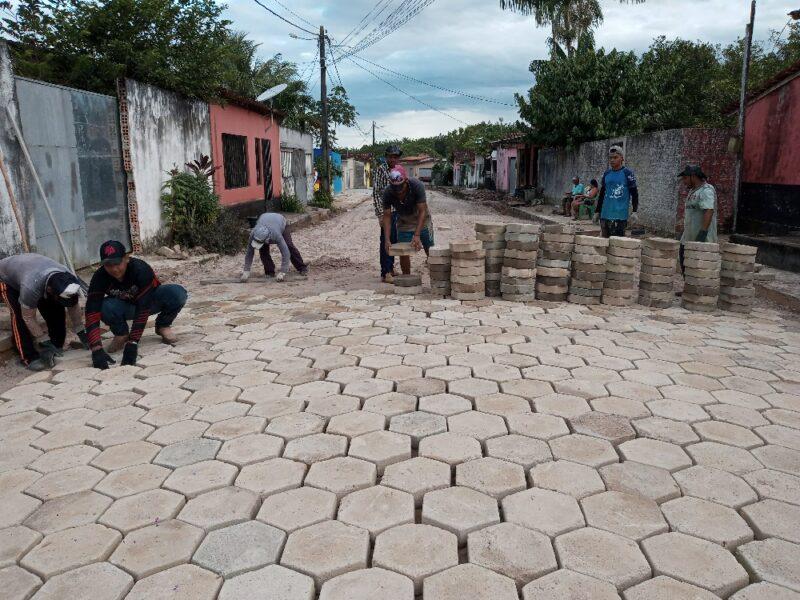 Prefeitura de Amapá do Maranhão inicia bloqueteamento de ruas e melhorias na iluminação